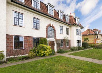 Gloucester Road, Teddington TW11. 3 bed flat for sale