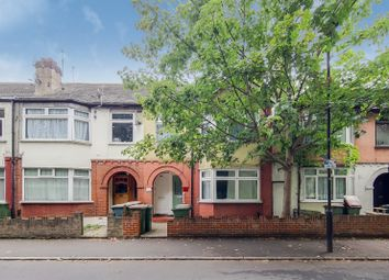 Thumbnail 1 bed flat for sale in Gainsborough Avenue, London