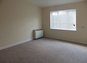Thumbnail 2 bedroom flat to rent in Cricklade Road, Swindon, Wiltshire