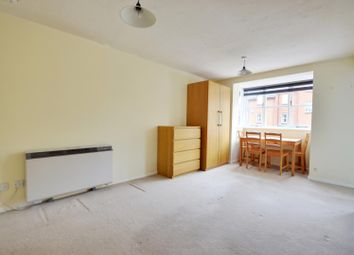 Thumbnail Studio to rent in Knowles Close, West Drayton, Middlesex
