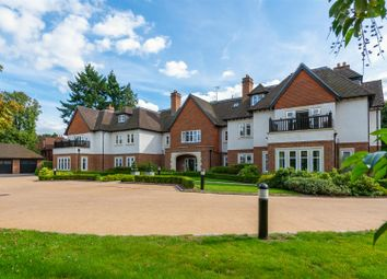 3 bed flat for sale in Heath Drive, Walton On The Hill, Tadworth KT20