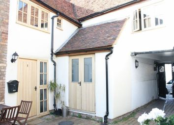 Thumbnail 2 bed property to rent in Cornmarket, Thame
