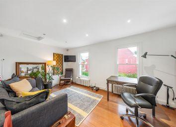 Ferndale Road, London SW4. 1 bed flat