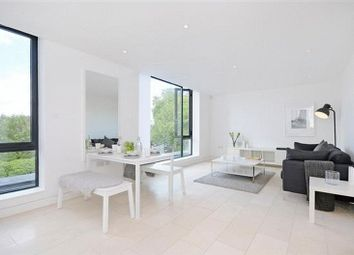 Thumbnail 1 bed flat to rent in Latitude House, Oval Road, London