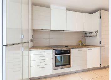 Seacon Tower, Docklands, London E14. 2 bed flat