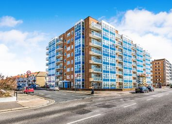 3 bed flat for sale in Channings, Kingsway, Hove BN3