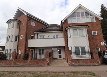 Thumbnail 2 bed flat to rent in Highland Avenue, Brentwood