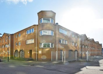 2 bed flat for sale in Homer Drive, London E14