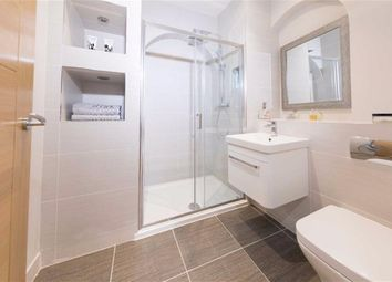 Thumbnail 2 bed flat to rent in Percy Street, London