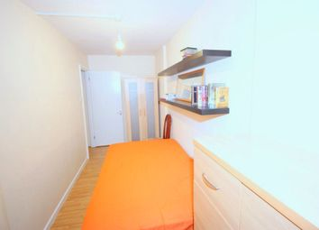 Thumbnail Room to rent in Topmast Point, Canary Wharf