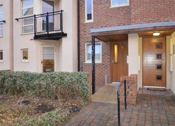 3 bed property to rent in Lawrence Square, York YO10