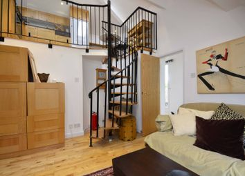 Thumbnail 2 bedroom flat to rent in Windmill Hill, Hampstead