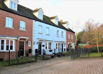 Thumbnail 4 bed property for sale in Rutherford Place, Didcot
