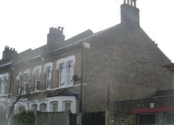 Thumbnail 2 bed flat to rent in Gowlett Road, Peckham, London