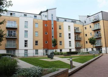 Thumbnail 3 bed flat to rent in Queen Mary Avenue, London