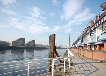 Thumbnail 1 bedroom flat for sale in Lancefield Quay, Glasgow