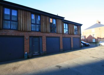 2 bed maisonette to rent in Stable Road, Colchester CO2