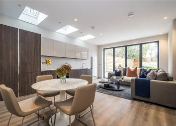 Thumbnail 2 bed flat for sale in Flat 1 Leythe Road, London