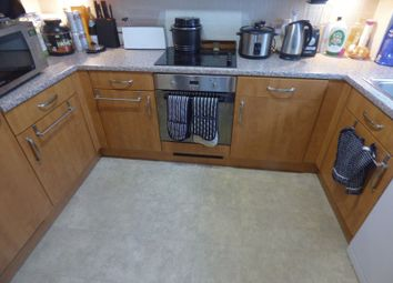 1 bed property to rent in Woodcote Road, Wallington SM6
