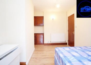 Room to rent in Sherfield Gardens, London SW15