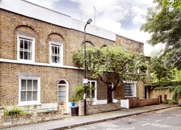 Thumbnail 2 bedroom property for sale in Navarino Grove, London