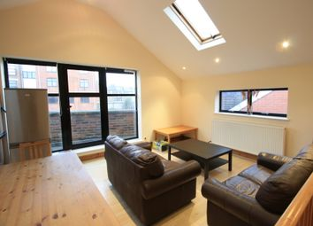 Thumbnail 4 bed flat to rent in Gleneldon Road, Streatham