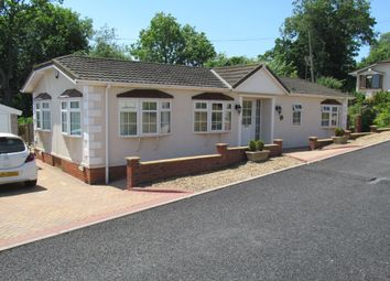 Thumbnail 2 bed mobile/park home for sale in Badgers Walk (Ref 5945), Kidderminster, Worcester. Worcestershire