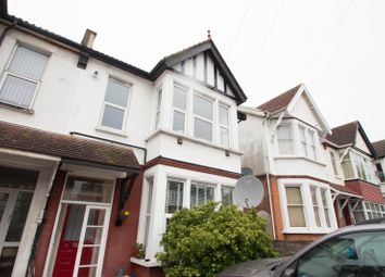 Thumbnail 2 bed flat to rent in Valkyrie Road, Westcliff-On-Sea