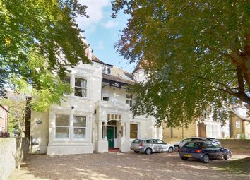 Thumbnail 3 bed flat to rent in North Common Road, Ealing, London