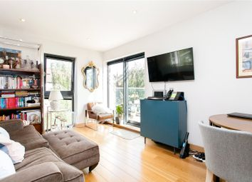 Drayton Park, London N5. 1 bed flat