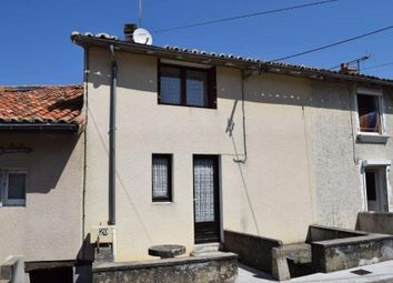Thumbnail 1 bed country house for sale in 16700 Ruffec, France