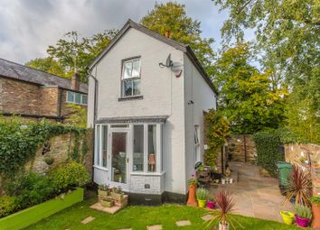 Thumbnail 2 bed detached house for sale in High Road, Chipstead, Coulsdon
