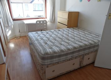 Thumbnail Room to rent in Barridale Road, London