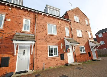 3 bed town house to rent in Spinners Place, Warrington WA1