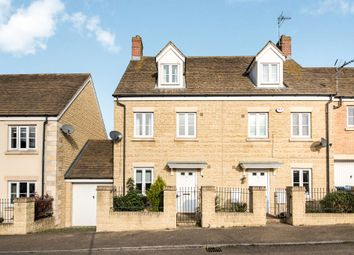 Thumbnail 3 bed town house for sale in Waterford Lane, Witney