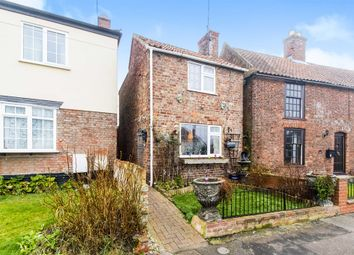 Thumbnail 2 bed detached house for sale in The Causeway, Burgh Le Marsh, Skegness