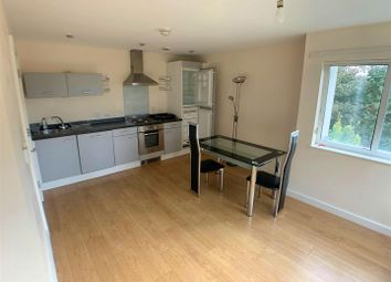 2 bed flat to rent in Madison Court, Salford Quays M50
