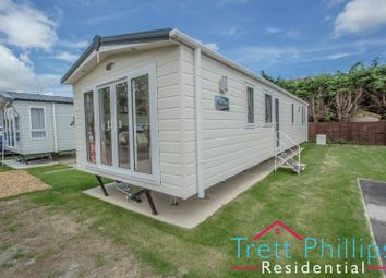 2 bed mobile/park home for sale in Bridge Road, Potter Heigham, Great Yarmouth NR29