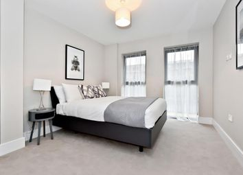 Thumbnail 2 bed flat for sale in Blake House, Slough