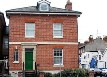 Thumbnail 2 bedroom flat for sale in Phoenix House, 125 Oxford Road, Reading, Berkshire