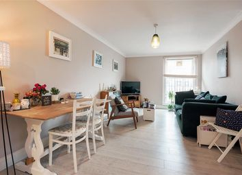 Thumbnail 2 bed flat to rent in Walford Road, London