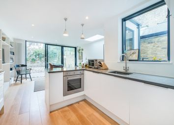 Thumbnail 2 bed property to rent in Foskett Road, London