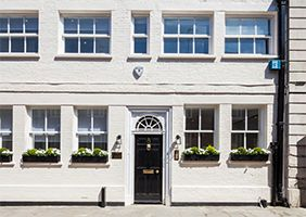 Thumbnail Serviced office to let in 8 Headfort Place, Belgravia, London