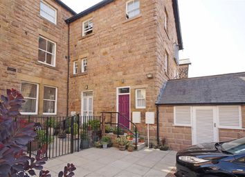 Thumbnail 2 bedroom flat to rent in Valley Drive, Harrogate, North Yorkshire