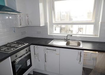 2 bed flat to rent in Oriental Place, Brighton BN1