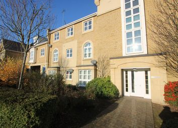2 bed flat to rent in Sanderling Way, Greenhithe DA9