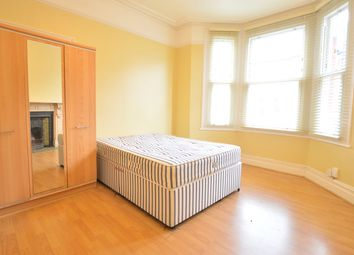 Thumbnail 1 bed flat to rent in Calbourne Road, Balham