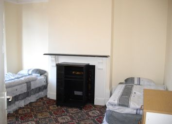 Thumbnail Room to rent in Walwood Road, London