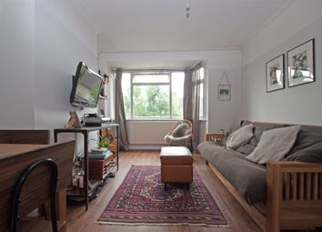 Thumbnail 2 bedroom flat to rent in Eversleigh Road, Finchley Central