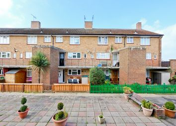 3 bed maisonette to rent in Saint Anne's Avenue, Staines TW19
